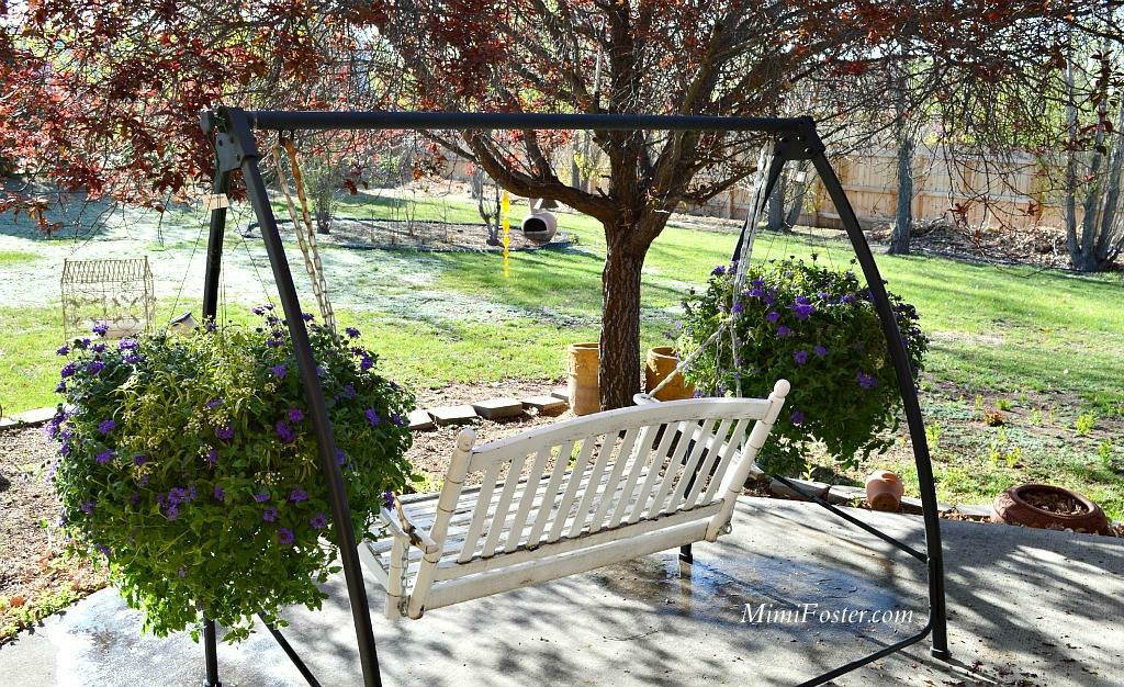 Favorite room outdoor swing